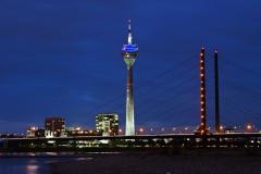 Düsseldorf, Medienhafen, Rheinturm #5