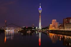 Düsseldorf, Medienhafen, Rheinturm #6